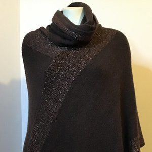 Beautiful Women Turtleneck Knit Poncho Size One